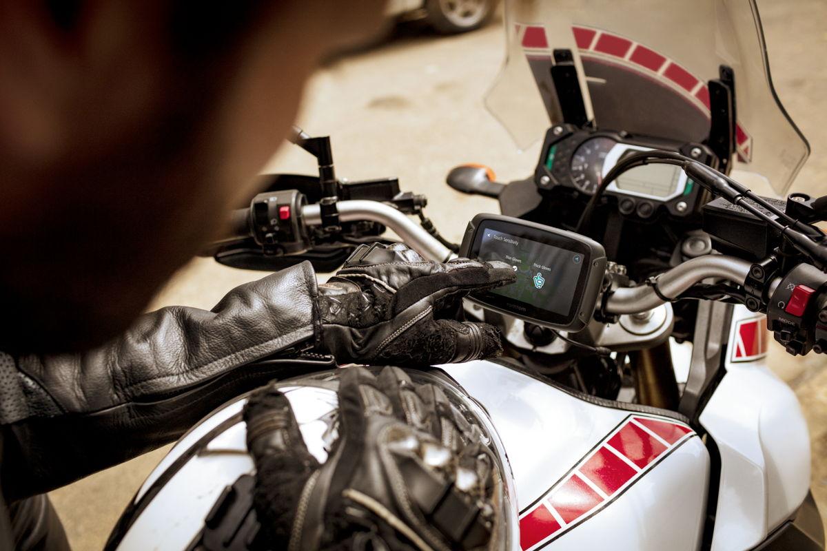 rider 550 de nieuwe tomtom gps voor motorrijders. Black Bedroom Furniture Sets. Home Design Ideas