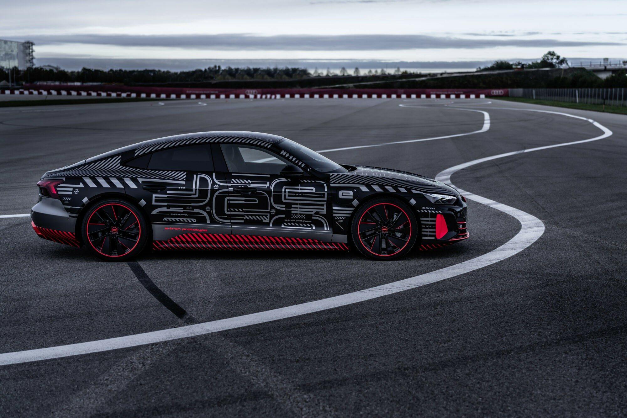 Deze afbeelding heeft een leeg alt-attribuut; de bestandsnaam is Audi-e-tron-GT-prototype.jpg