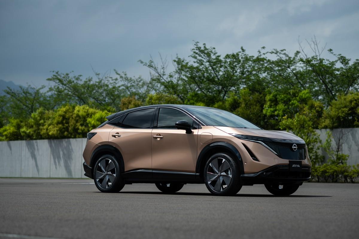 Deze afbeelding heeft een leeg alt-attribuut; de bestandsnaam is Nissan-Ariya-front-quarter_2-1200x800-3.jpg