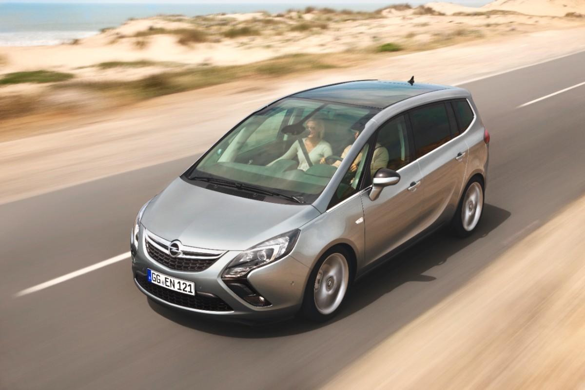 Opel-Zafira-Tourer-270496-medium